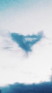 U.I.P Creators Strange V-Shaped 'Cloaked Looking' Cloud – Sighting Report
