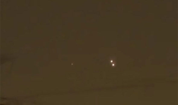 UFO News ~ Clear UFO sighting In Moscow and MORE Moscow-456993